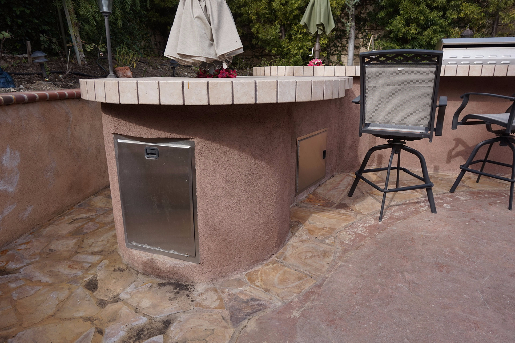 Dos Vientos Newbury Park custom outdoor BBQ kitchen with storage.