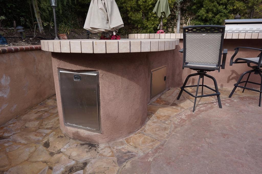 Dos Vientos Newbury Park custom outdoor BBQ kitchen with storage.