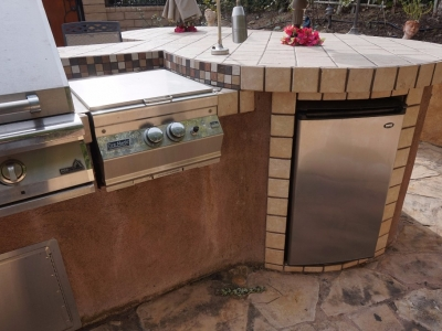 Dos Vientos Newbury Park custom outdoor BBQ kitchen with refrigerator storage