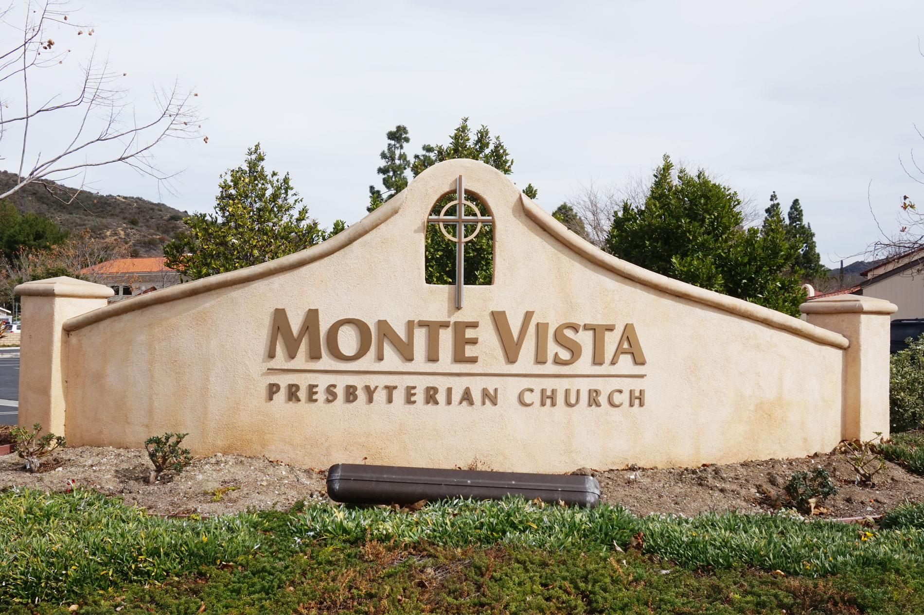 Newbury Park Monte Vista Concrete Sign